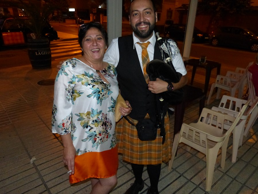 FIESTA 100 PIPERS